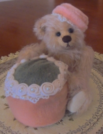 LADY HARRIETT PINCUSHION