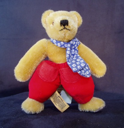 MERRYTHOUGHT DUTCH BEAR