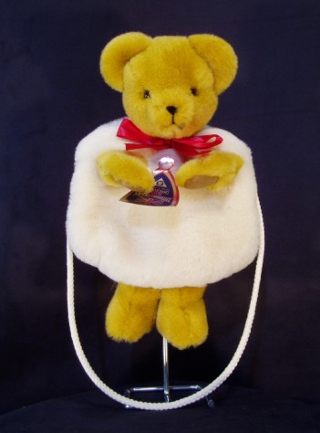 MERRYTHOUGHT CUDDLY MUFF BAG BEAR