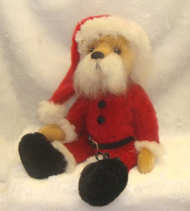 SANTA BEAR BY LYN KILMURRAY