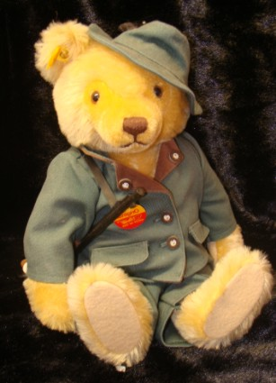 STEIFF HUNTER BEAR - VINTAGE