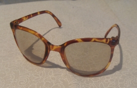 TORTOISE SHELL ROUND GLASS