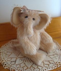 """Eloise Elephant - 9"""" By Ann-Marie Cole"""