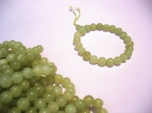 JADE (LIGHT GREEN) 7MM ROUND BEAD (SP10)