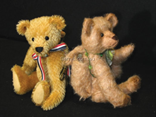 """MEL """"THE 8"""" MOBILE PHONE CARRY POUCH BEAR"""""""